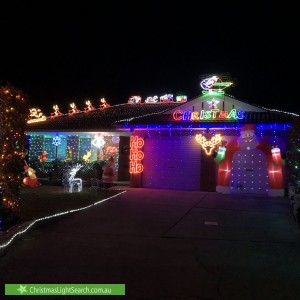 Christmas Light display at 18 Hobday Place, Dunlop