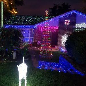 Christmas Light display at 37 Harry Hopman Cct, Gordon