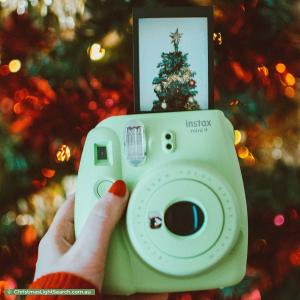 How to Take Great Photos of Christmas Lights (Like a Pro)